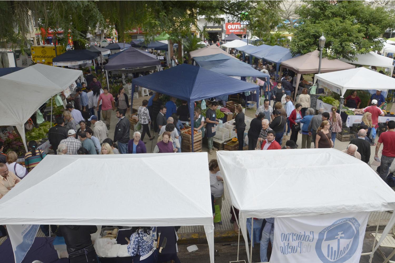 Mercados Populares en Plaza Vera 2