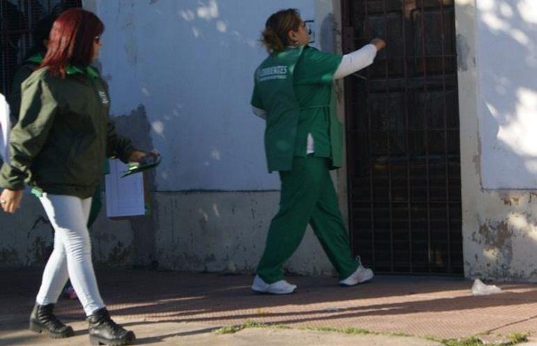 agentes sanitarios recorren barrios 2
