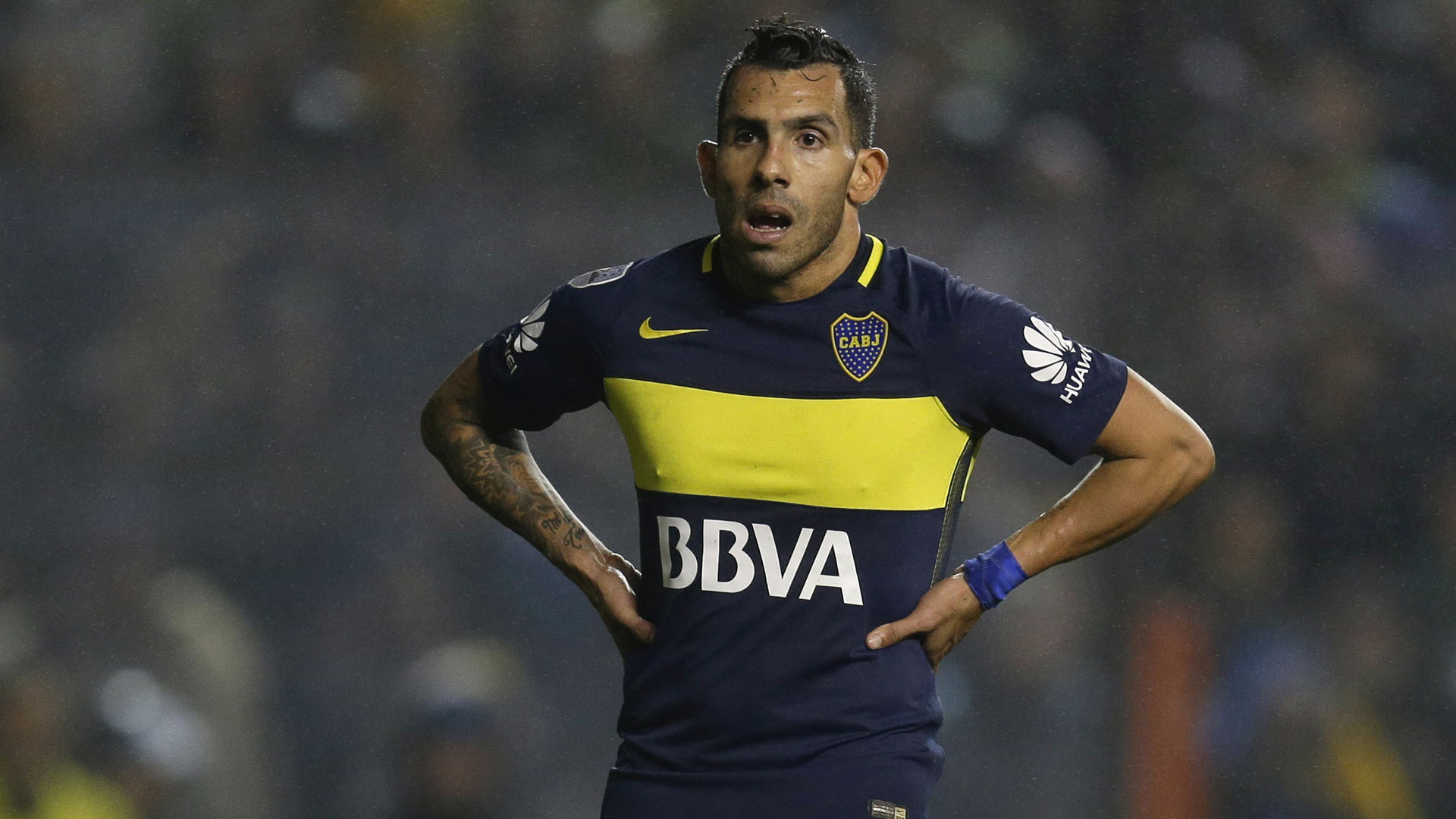 Carlos Tevez of Argentina's Boca Juniors looks on during the Copa Libertadores semifinals soccer match against Ecuador's Independiente del Valle in Buenos Aires, Argentina, Thursday, July 14, 2016.(AP Photo/Natacha Pisarenko)