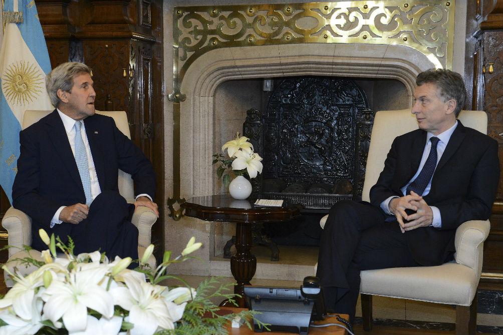 Macri y Kerry