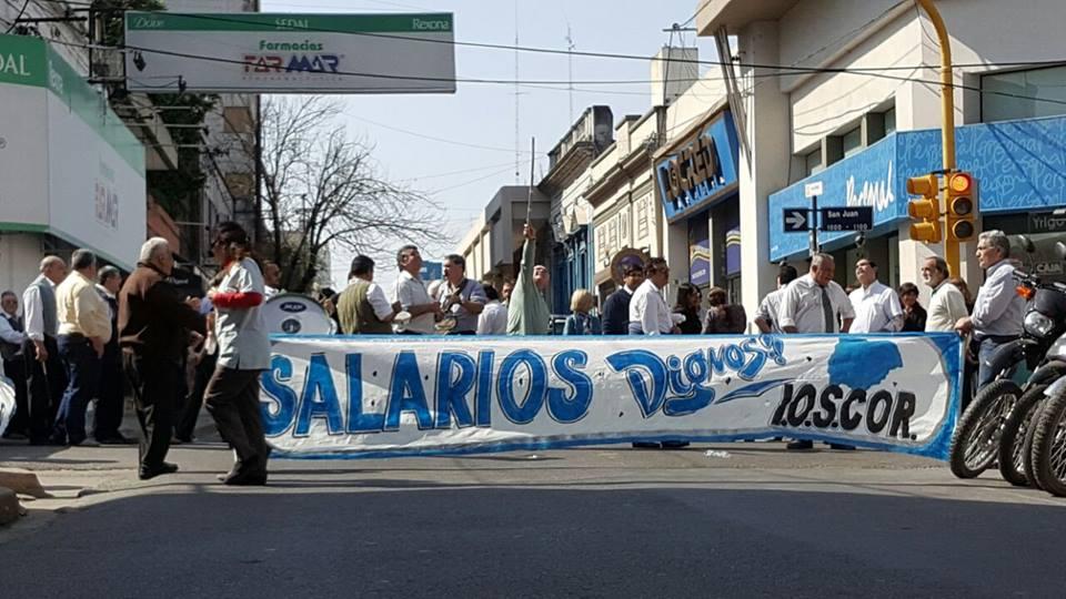 protesta-ioscor-corte-de-calle