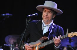 US legend Bob Dylan performs on stage during the 21st edition of the Vieilles Charrues music festival on July 22, 2012 in Carhaix-Plouguer, western France.  AFP PHOTO / FRED TANNEAU        (Photo credit should read FRED TANNEAU/AFP/GettyImages)