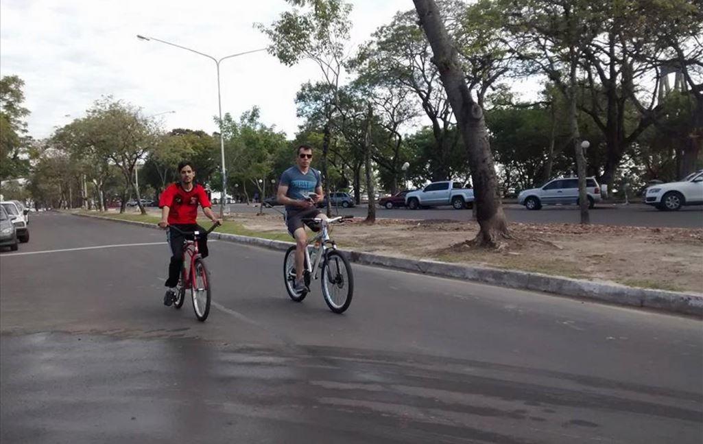 ciclistas-bicicletas-costanera