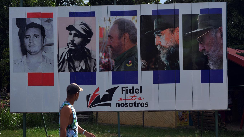 Cuba comienza a despedirse de Fidel Castro con una ceremonia que durará nueve días foto: EFE