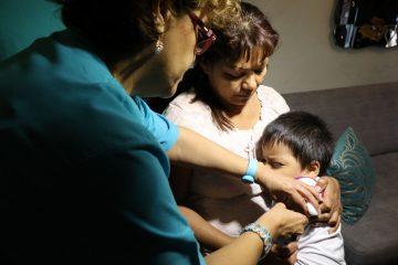 nino-recibiendo-vacuna