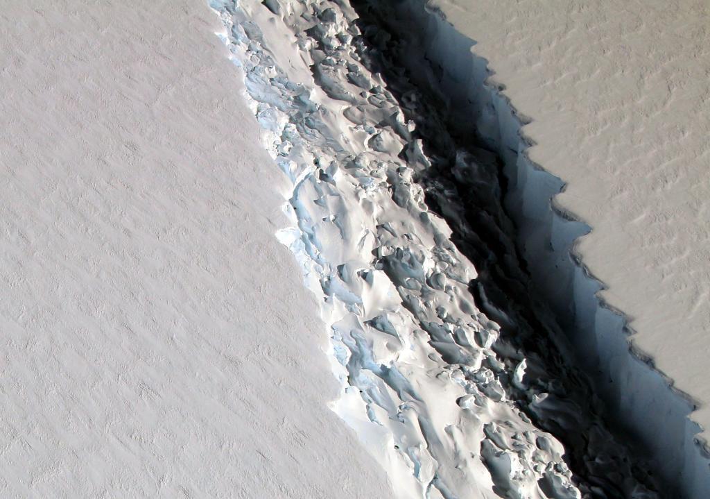 crater-en-la-antartida