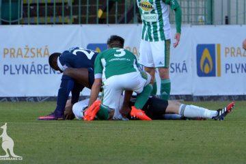 Francis Kone salva a un rival
