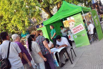 vacunación en plaza vera