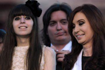 Florencia-Maximo-Kirchner-junto-Cristina_IECIMA20161129_0053_7