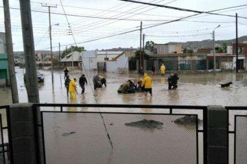 Comodoro Rivadavia, 8-4-17 Ejército trabaja en el rescate de personas en la emergencia.