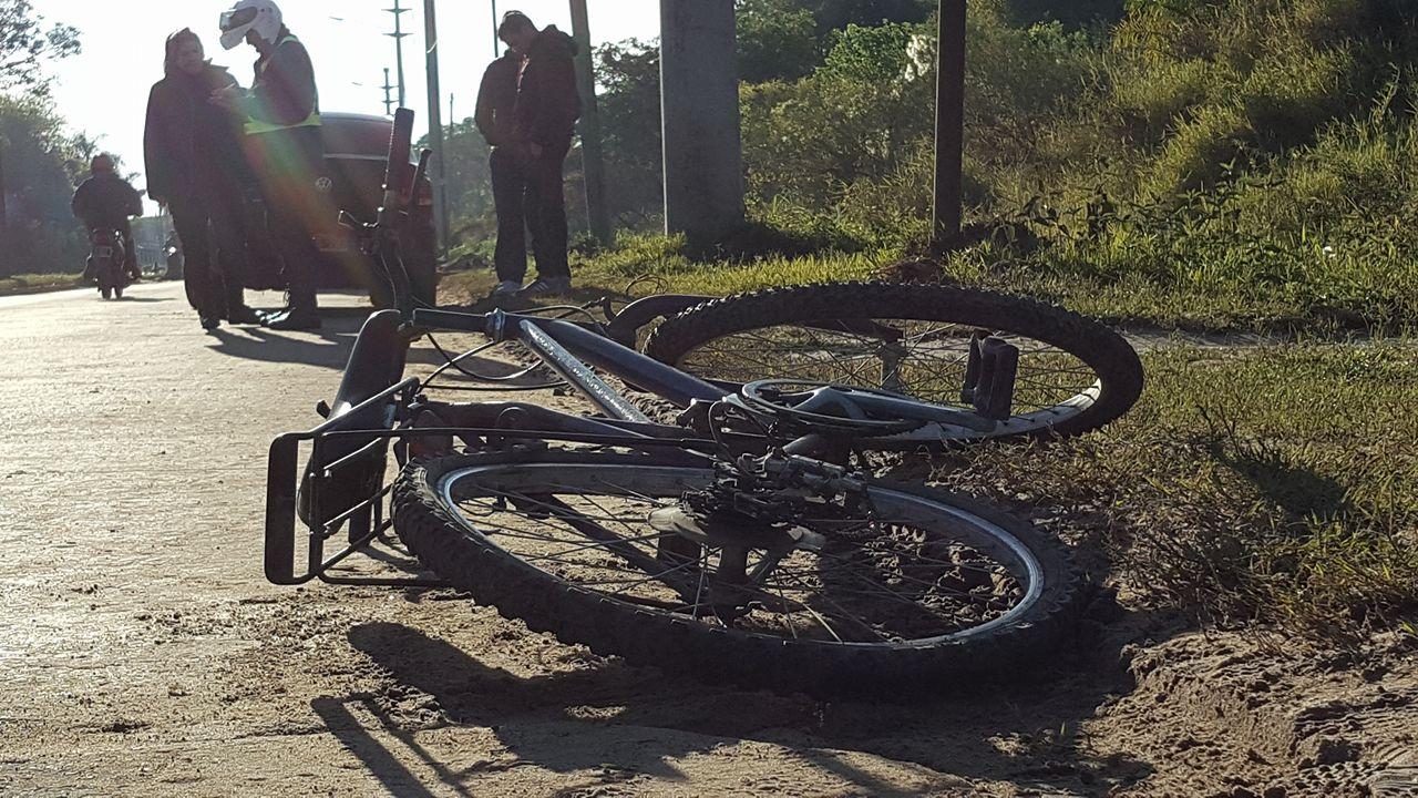 bici en el asfalto