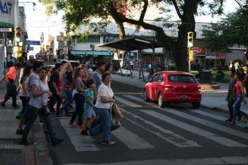 peatones-cruzando-en-rojo-por-junin