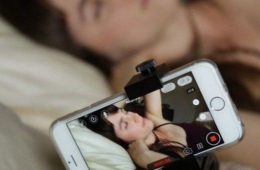 sexting1.jpg_139456594